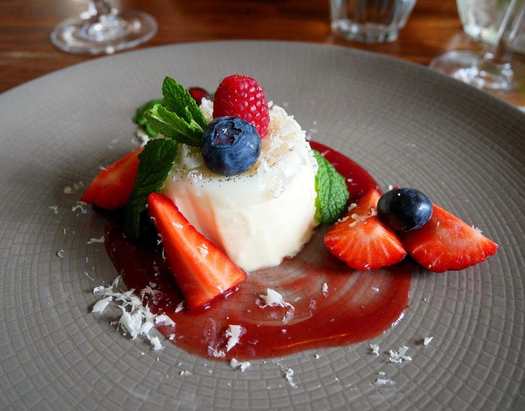 Vanilla Panna Cotta with White Chocolate and Berries